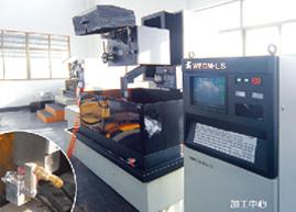 连接器生产设备